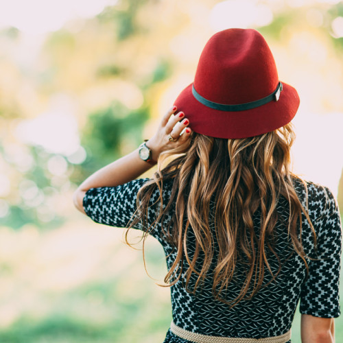 livvyland-blog-olivia-watson-anthropologie-kayla-snell-photography-fall-fashion-picnic-in-the-park-canan-vintage-camera-red-fedora-hat-2